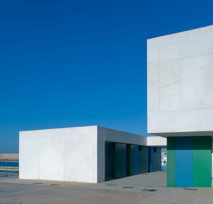 Office and Service Building in Port of Roquetas de Mar, Almería, Spain Donaire Arquitectos Offices & stores