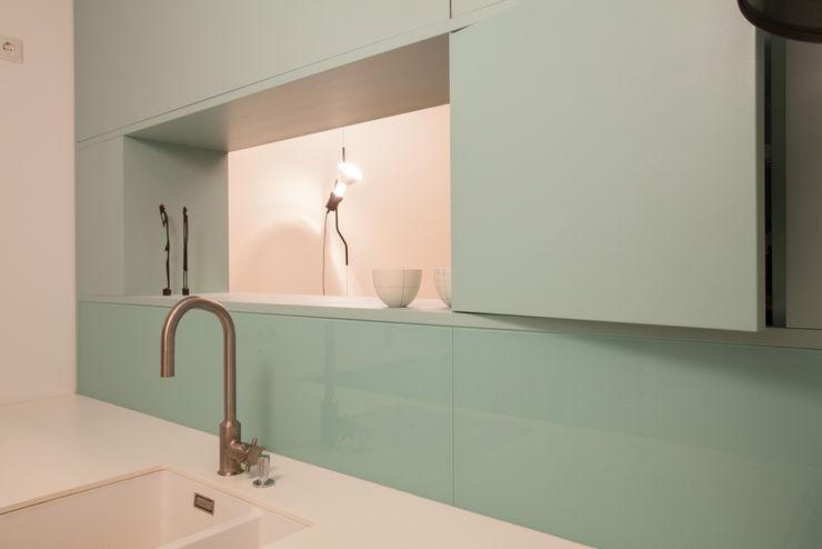 büro für interior design Dapur Modern