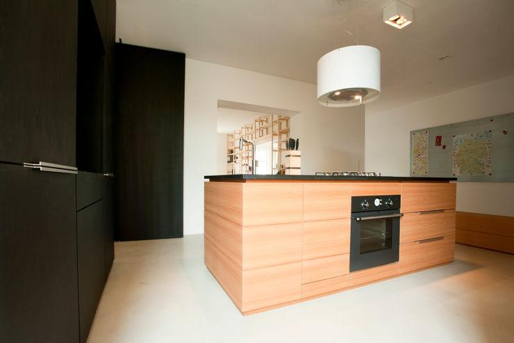 büro für interior design Modern Kitchen
