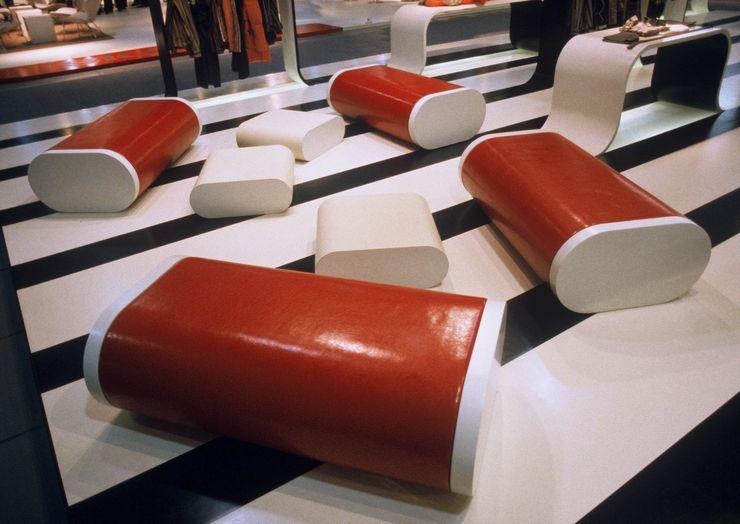 büro für interior design Centros de exhibiciones