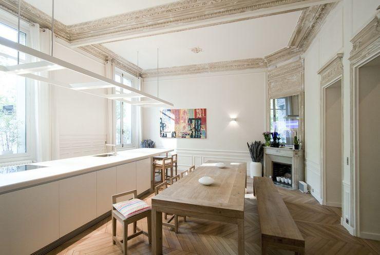 FELD Architecture Modern kitchen