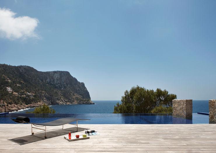 House at Andratx Octavio Mestre Arquitectos Varandas, alpendres e terraços minimalistas