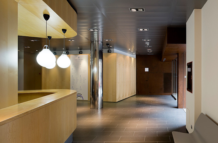 ARESA Clinic Octavio Mestre Arquitectos Office buildings