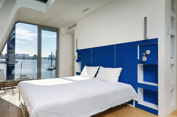 FLOATING HOMES Dormitorios de estilo ecléctico