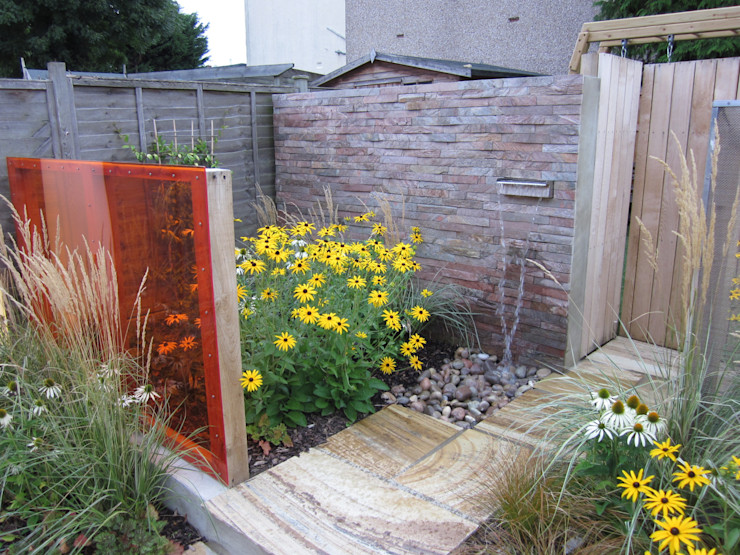 Modern Family garden in North London Earth Designs Jardin moderne