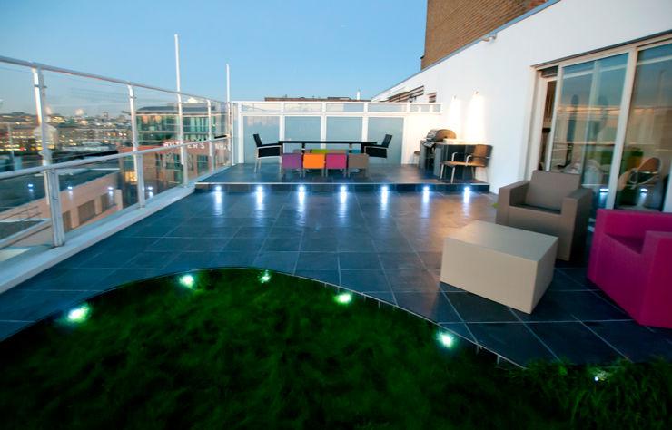 Southbank, London Urban Roof Gardens Modern balcony, veranda & terrace