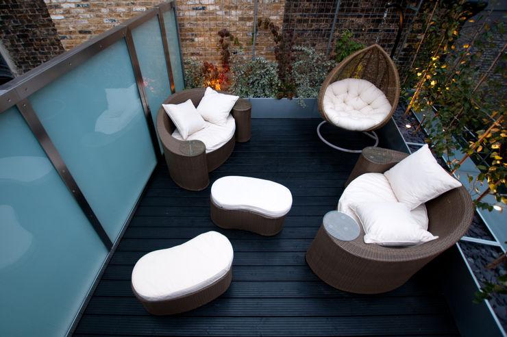 London Bridge, London Urban Roof Gardens Balcones y terrazas modernos: Ideas, imágenes y decoración
