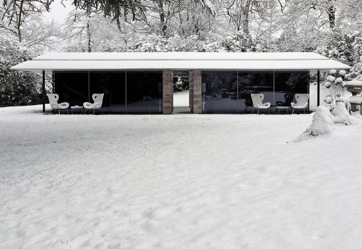 Capel Manor House, Kent Ewan Cameron Architects Casas modernas