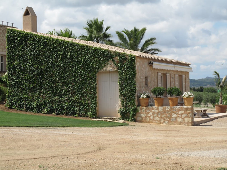 Son Fornes, Majorca 4D Studio Architects and Interior Designers Mediterranean style houses