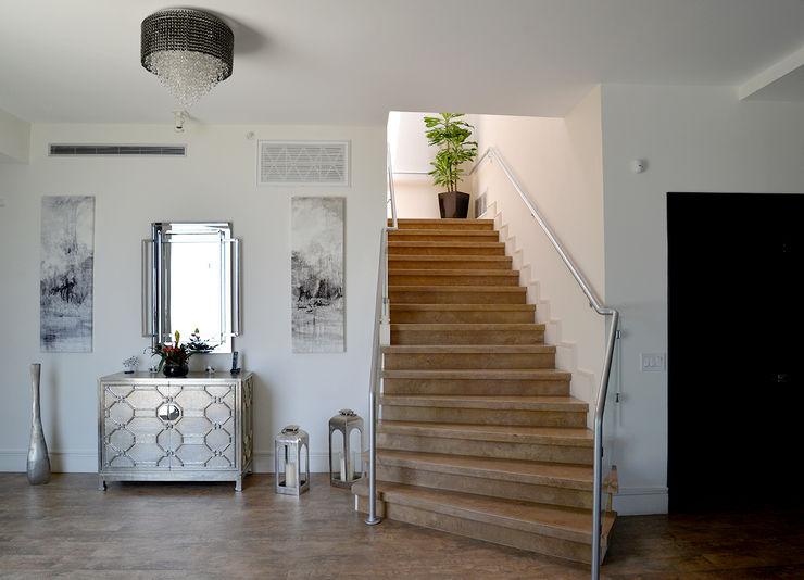Nightingale Decor, Hollywood Hills CA. 2014 Erika Winters® Design Pasillos, vestíbulos y escaleras modernos