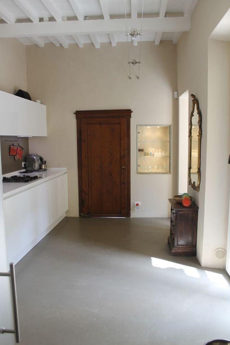 Abitazione in San Frediano, Firenze Studio Tecnico Progettisti Associati Ing. Marani Marco & Arch. Dei Claudia Pareti & Pavimenti eclettiche
