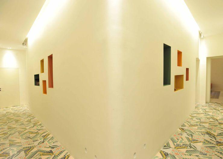 B+P architetti الممر الحديث، المدخل و الدرج