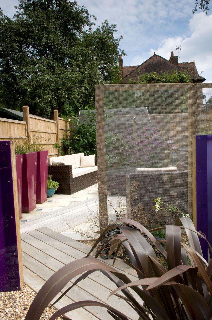 Party garden in Sevenoaks, Kent Earth Designs Jardines de estilo moderno