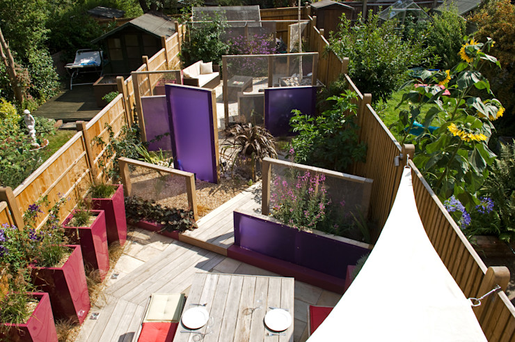 Party garden in Sevenoaks, Kent Earth Designs Jardines modernos: Ideas, imágenes y decoración