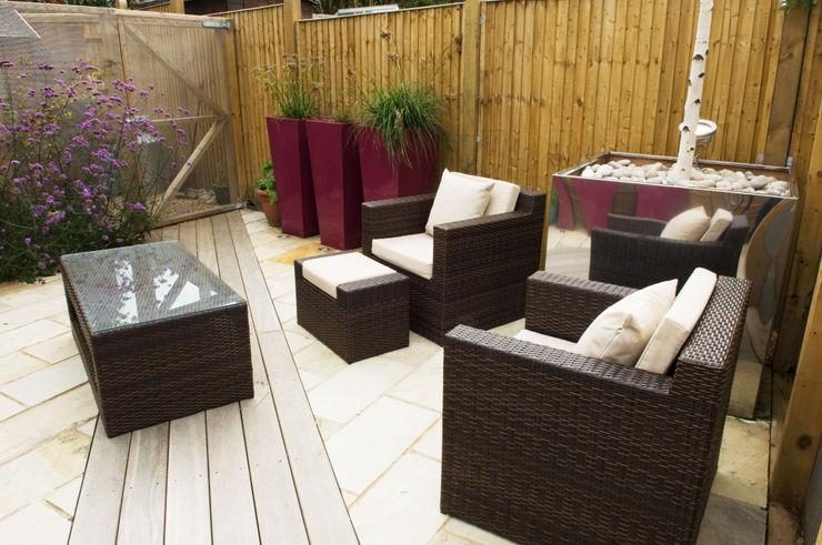 Party garden in Sevenoaks, Kent Earth Designs Jardines modernos
