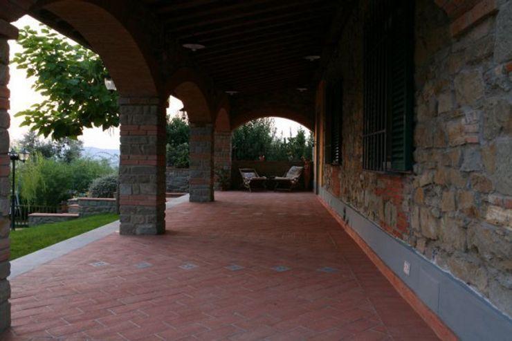 Ristrutturazione di villetta Studio Tecnico Progettisti Associati Ing. Marani Marco & Arch. Dei Claudia Casa coloniale