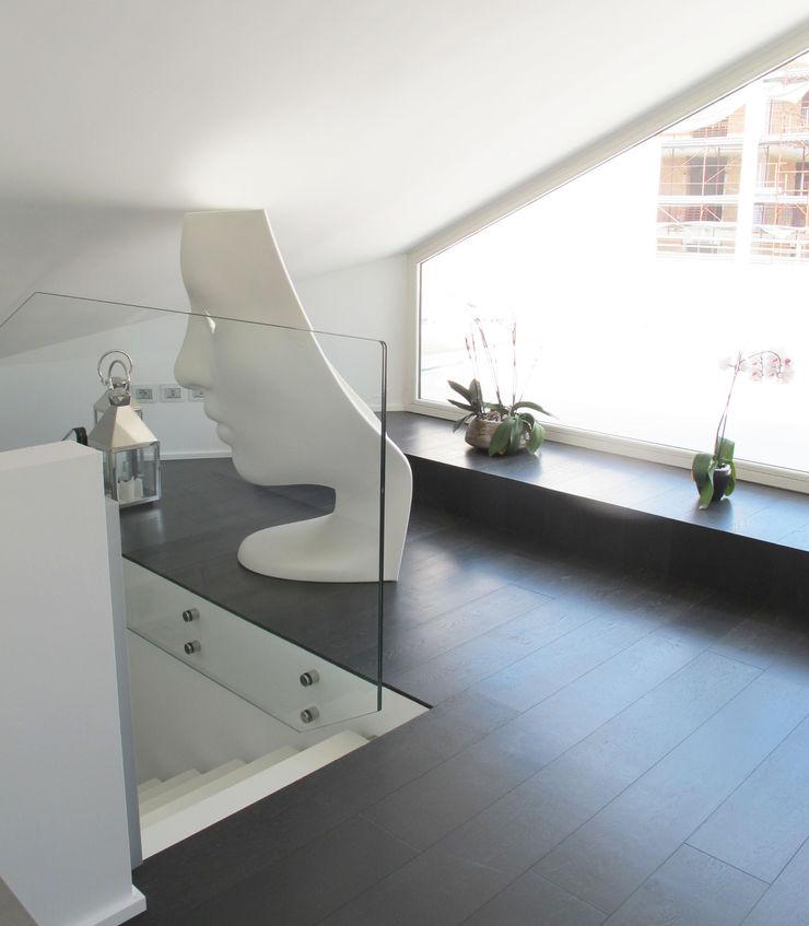 Gimmigi Lab Architettura 玄關、走廊與階梯配件與裝飾品