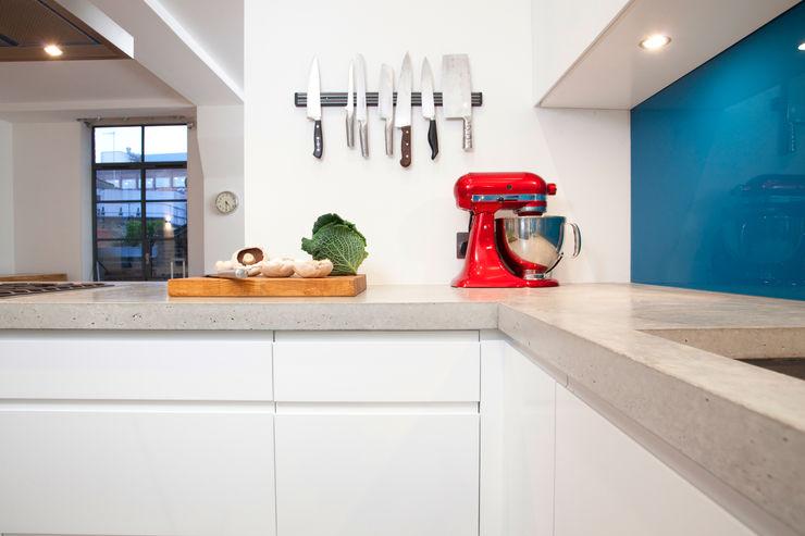 Clerkenwell WC1: Minimal Professional Home Increation Kitchen