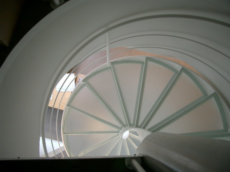 Helicoidal staircase Ni.va. Srl Commercial Spaces White