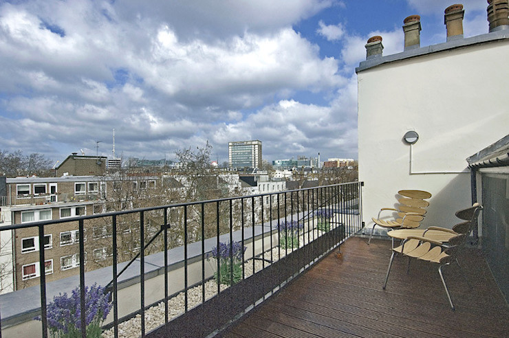 PROJECT: A 2-bed apartment in Bayswater. Anna Hansson Modern balcony, veranda & terrace