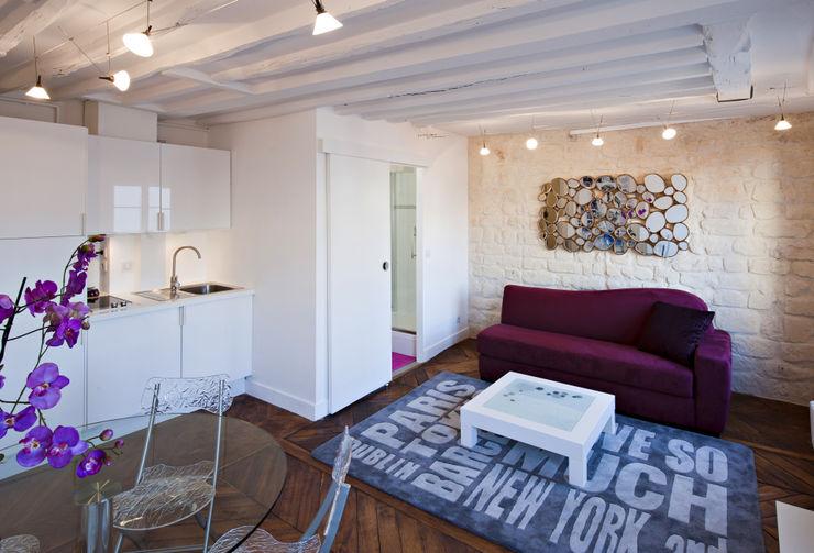 Salon, salle à manger et petite cuisine Fables de murs Salle à manger classique