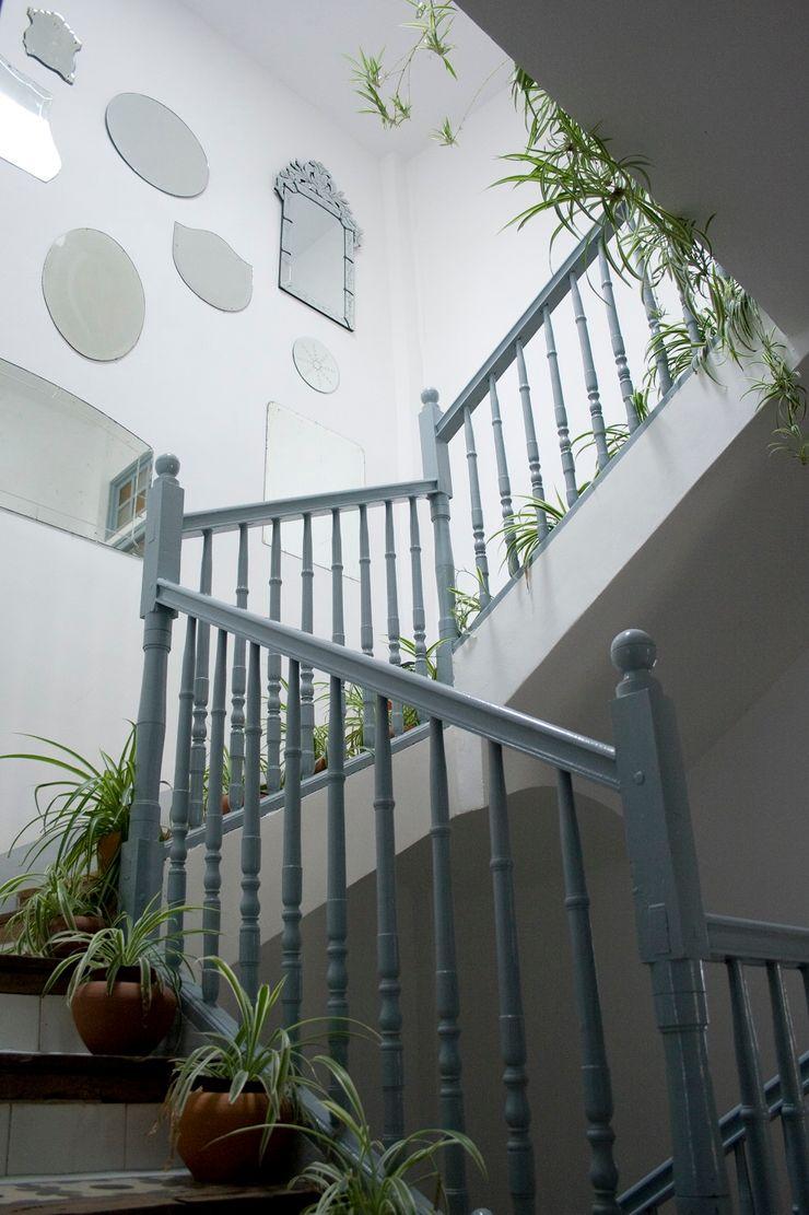 Bed & Breakfast en La Rioja Casa Josephine Pasillos, vestíbulos y escaleras de estilo mediterráneo