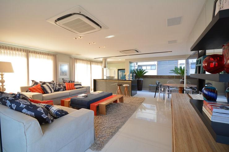 Residência MX Maria Christina Rinaldi Arquitetos Modern living room