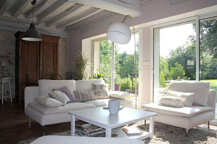 Sandra Dages Rustic style living room