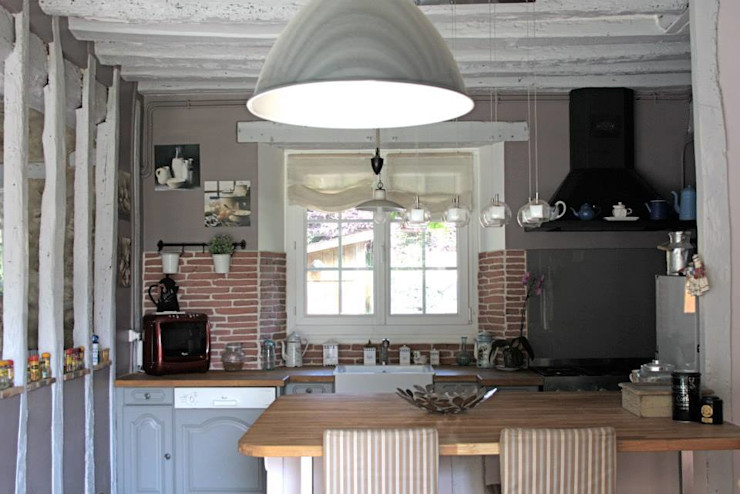 Sandra Dages Rustic style kitchen