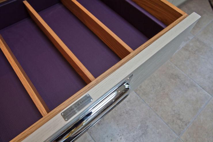 """Bespoke Kitchen """" The Staffordshire """" G & R Furniture Limited Klassische Küchen"""