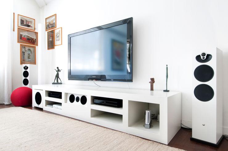 LOFT PAOLO FRELLO & PARTNERS Sala multimediale minimalista