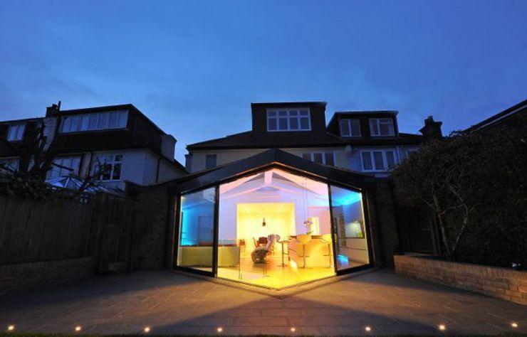 Semi-detached glory hole Paul Wiggins Architects Modern houses