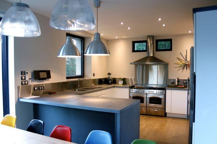Smooth Concrete Kitchen Concrete LCDA 모던스타일 주방
