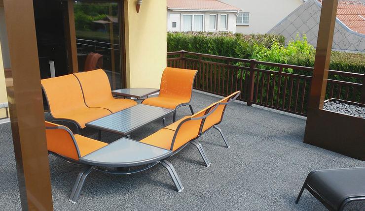 Terrassenboden mit Stil WARCO Bodenbeläge Moderner Balkon, Veranda & Terrasse