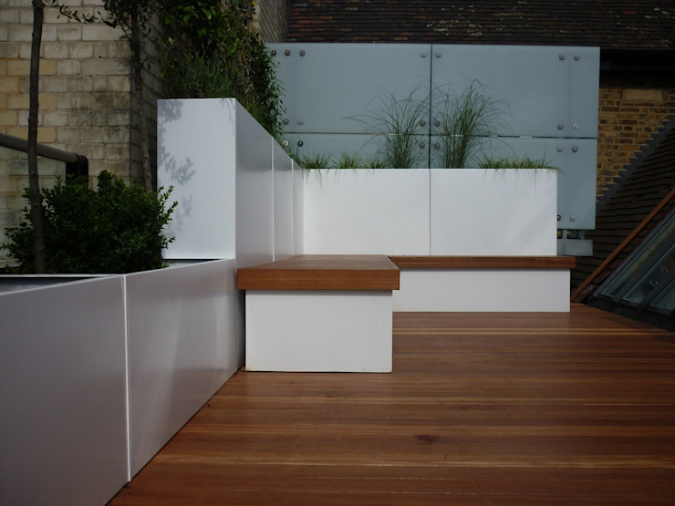 Built in seating & benches Paul Newman Landscapes 花園家具