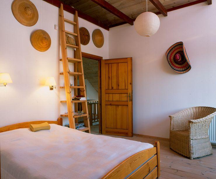 BM-Architekci Landelijke slaapkamers