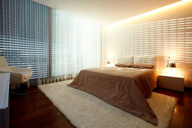 Risco Singular - Arquitectura Lda Minimalist bedroom