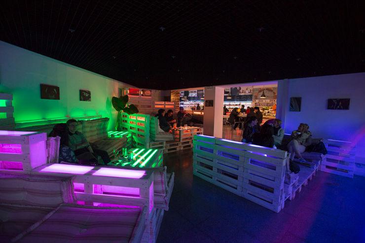 Area lounge BRENSO Architecture & Design Gastronomia in stile eclettico