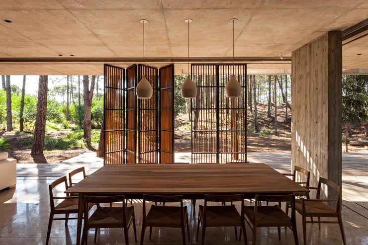 ATV Arquitectos Puertas y ventanas de estilo moderno