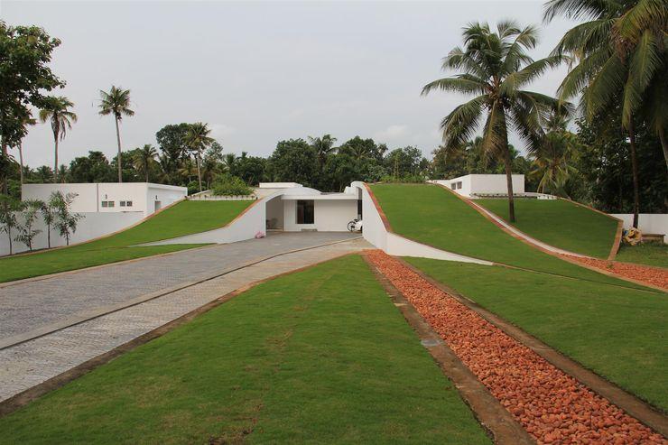 The Green Roof Residence LIJO.RENY.architects Casas