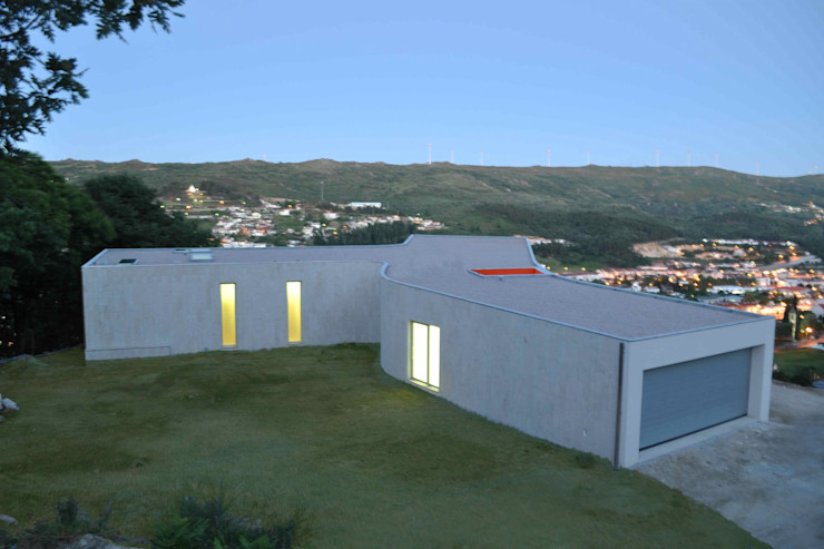 Jorge Guedes's House 100 Planos Arquitectura Lda 家居用品寵物配件