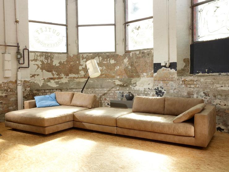 Wohnraum PE 1940 GmbH & Co. KG 客廳沙發與扶手椅