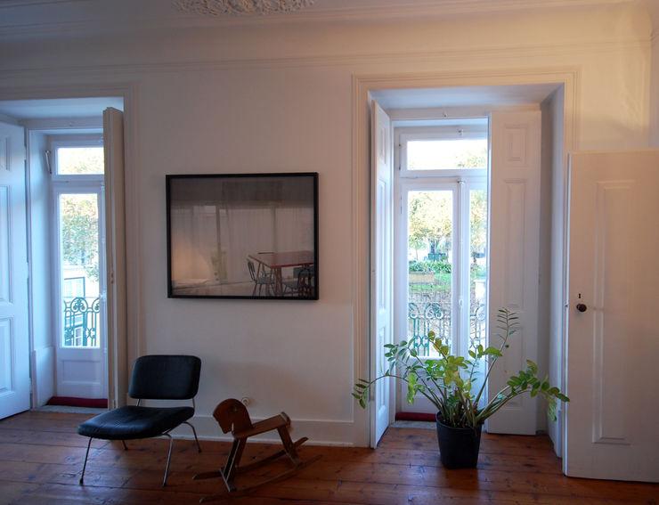 Apartamento Pedras Negras (2012) pedro pacheco arquitectos Salas de estar minimalistas