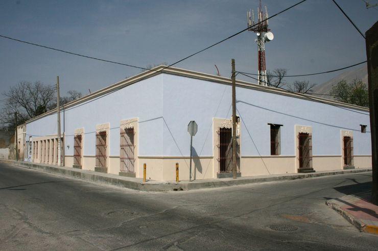 FACHADA CORTéS Arquitectos Casas coloniales