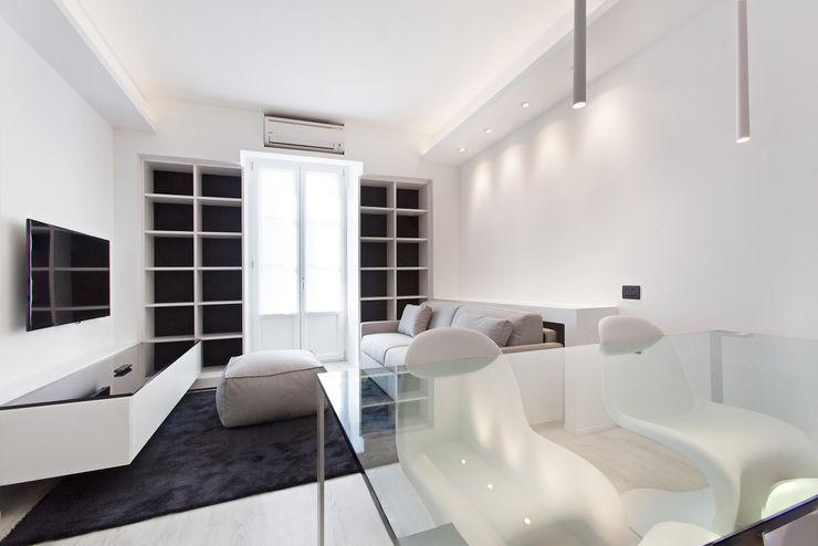Arch. Andrea Pella 现代客厅設計點子、靈感 & 圖片