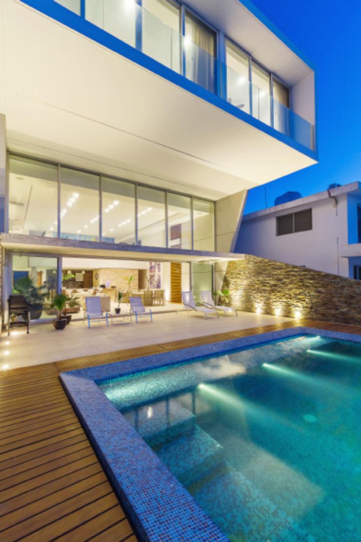 Casa JLM Enrique Cabrera Arquitecto Albercas minimalistas