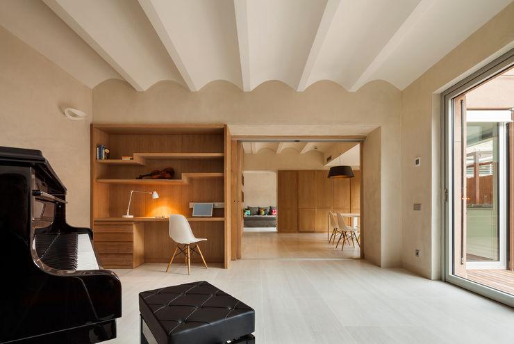 Dúplex en Gracia ZEST Architecture Estudios y despachos de estilo moderno