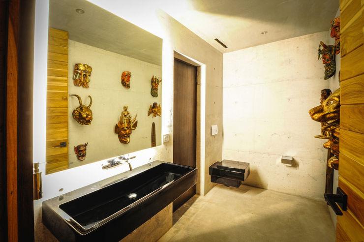 Narigua House P+0 Arquitectura Rustic style bathroom