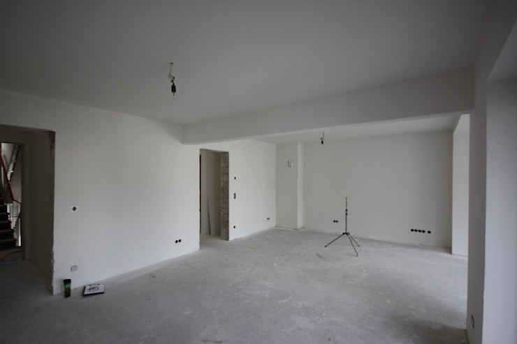 edit home staging Living room
