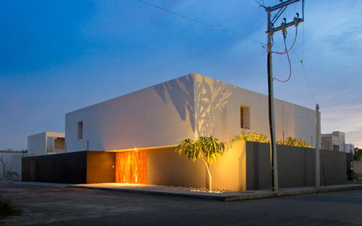 Montebello 332 Jorge Bolio Arquitectura Casas modernas